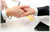 弁護士と会社再生の契約をします